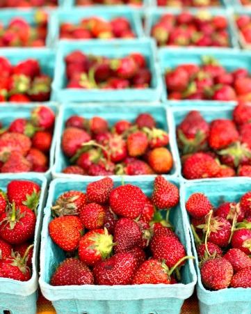 Roasted-Beet-Strawberry-Buttermilk-Skillet-Cake-BFM5